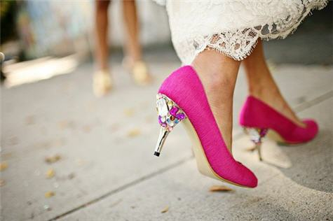 Go With Pink Wedding Shoes And, Trust Us, Theyu0027ll Have A Serious U0027Momentu0027  In Photos