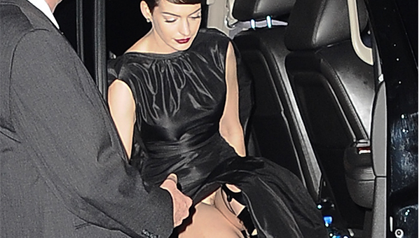 Anne Hathaway Crotch Shot Les Miserables Premiere